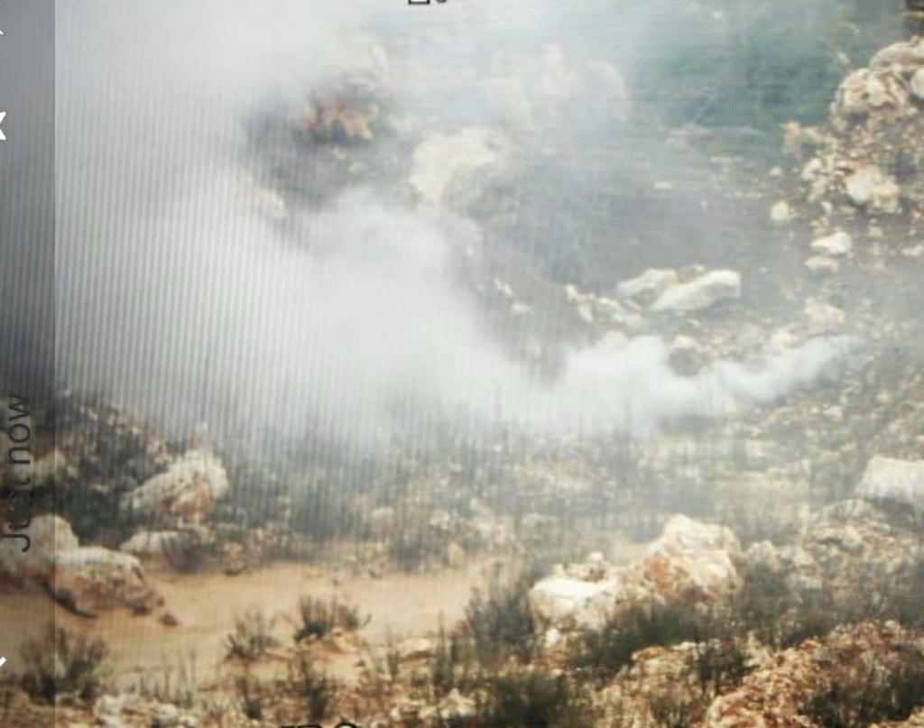 جنود إسرائيليون ألقوا قنابلاً دخانية خارج السياج التقني الفاصل بين الأراضي اللبنانية والفلسطينية في خراج ميس الجبل!