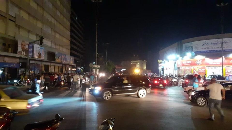 وفي ساحة النور...قطع الطريق بإتجاه السرايا طرابلس