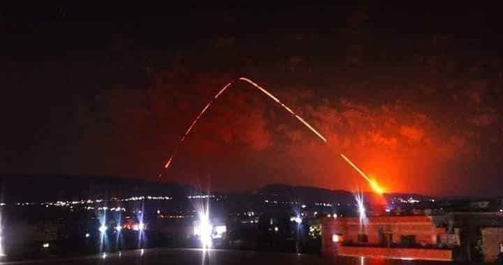 إطلاق الصواريخ شوهد ليل أمس في سماء المنطقة الحدودية بين سوريا ولبنان...والدفاع الروسية رصدت إطلاق صواريخ من فرقاطة فرنسية