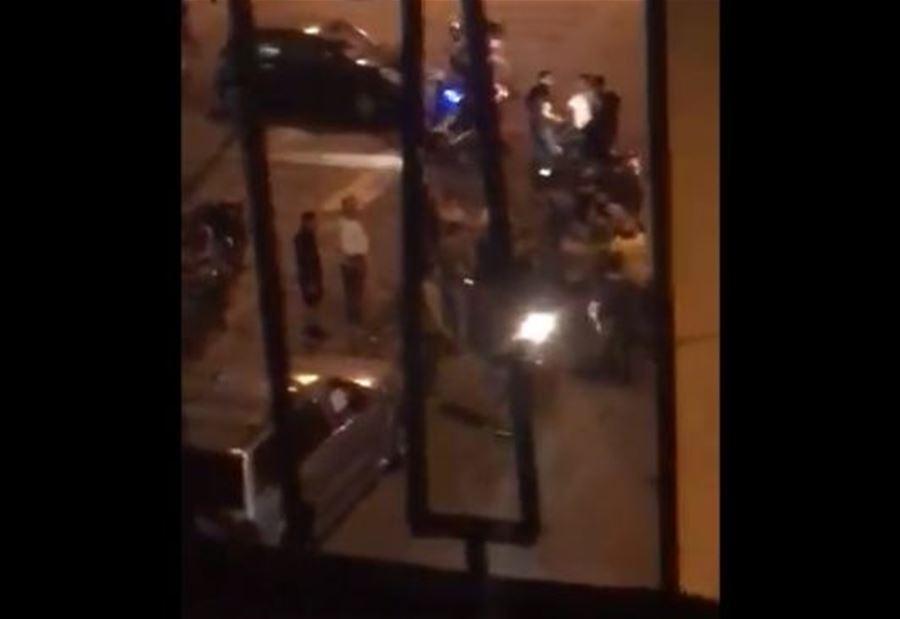 بالفيديو/ اشكال فردي في رأس النبع... 3 جرحى وإصابة أحدهم بطلق ناري في رأسه ووضعه غير مستقر