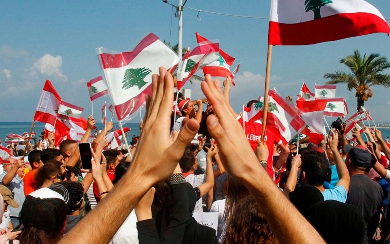في اليوم الـ 11 للتظاهرات في لبنان...إليكم الطرقات المقطوعة والسالكة
