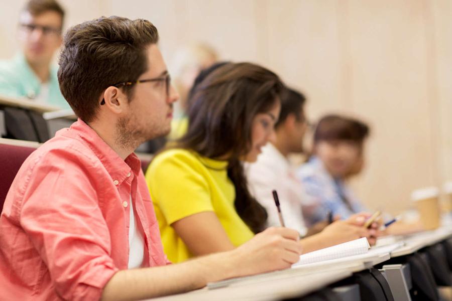 إعلان هام لطلاب الجامعات من بلدية بنت جبيل حول مشروع نقل الطلاب الجامعيين- للعام الدراسي 2019-2020 في مدينة بنت جبيل