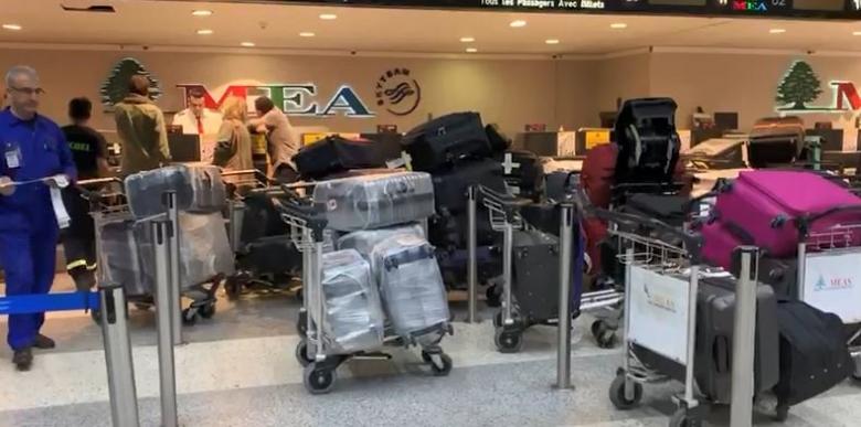 بالصور/ بلبلة في قاعة المغادرة في مطار بيروت بعد بدء العمل بالنظام الجديد لتفتيش الحقائب