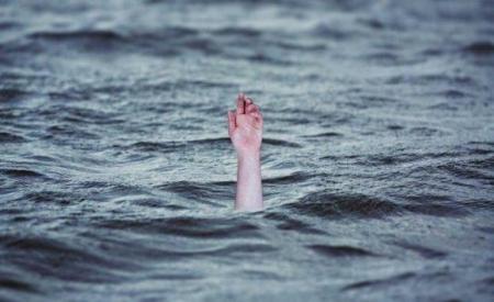 خالد ابن الأربع سنوات توفي غرقاً في مجرى نهر عرقة