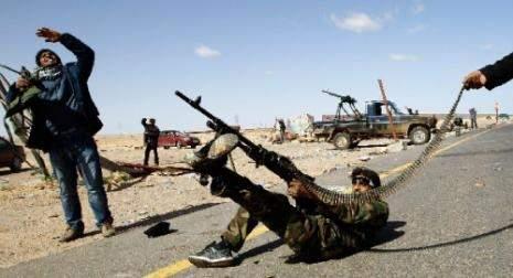 معارك ليبيا تتركّز براس لانوف والزاوية... وأوباما يعلن دراسة «خـــيارات عسكريّة»