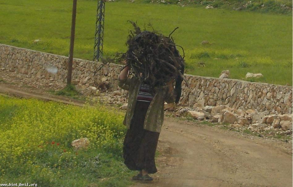 في بنت جبيل: العواصف على الابواب وجيوب خاوية وايادي على القلوب