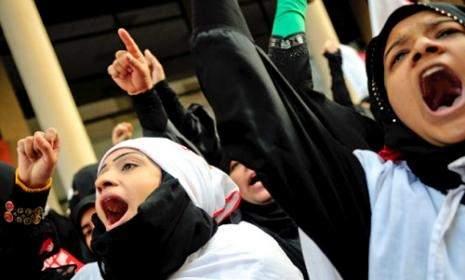 البحرين: قتلى وجرحى وأحكام عرفيّة ومقاومة... سلميّة