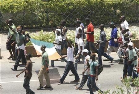 ساحل العاج: فرصة الحسم العسكري تعزز آمال اللبنانيين بانفراج قريب!