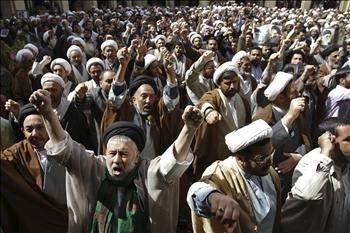 مصر تشيد بدور القوات الخليجية في المنامةتركيا تعدّ للقاء بين صالحي ونظيره البحريني