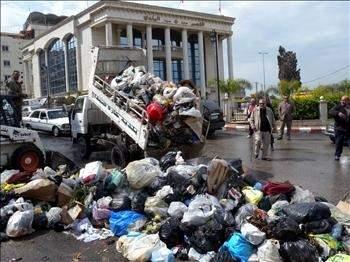 أزمة النفايات تلف الجنوب من صيدا إلى صور والنبطية... ولا حلول قريبة