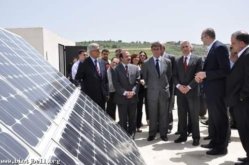 تدشين مشروع الطاقة المتجددة في مدرسة الكفور-النبطية