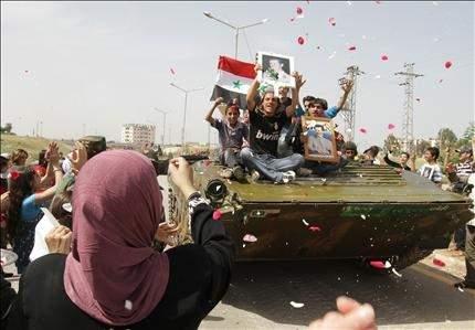 الجيش ينسحب من درعا وأوروبا تعدّ العقوبات