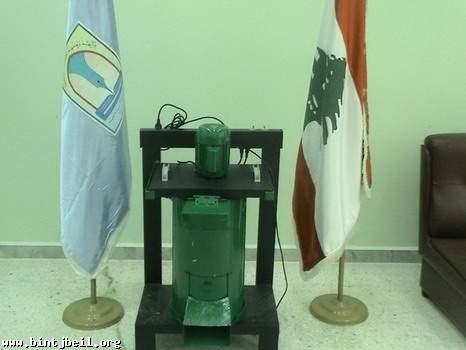 طلاب مدارس المهدي في بنت جبيل يبتكرون طريقة علمية لحل مشكلة النفايات المنزلية