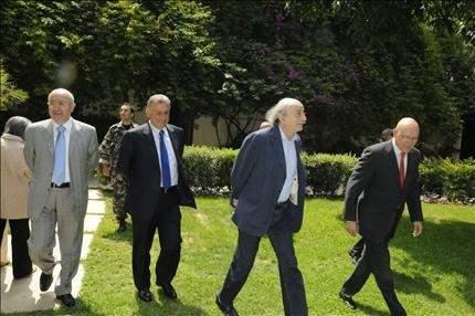 ;جنبلاط: مع تعزيز بعض صلاحيات رئاسة الجمهورية.. بالتوافق