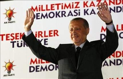 أردوغان: إنه انتصار لبيروت ودمشق ...