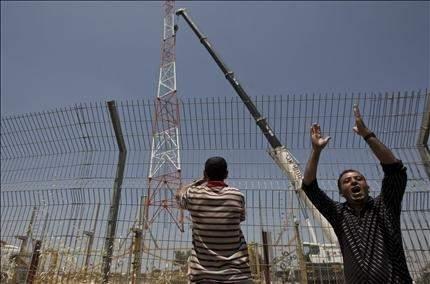 الاحتلال يزيل جزءاً من جدار بلعين ... بعد 6 سنوات من التظاهر