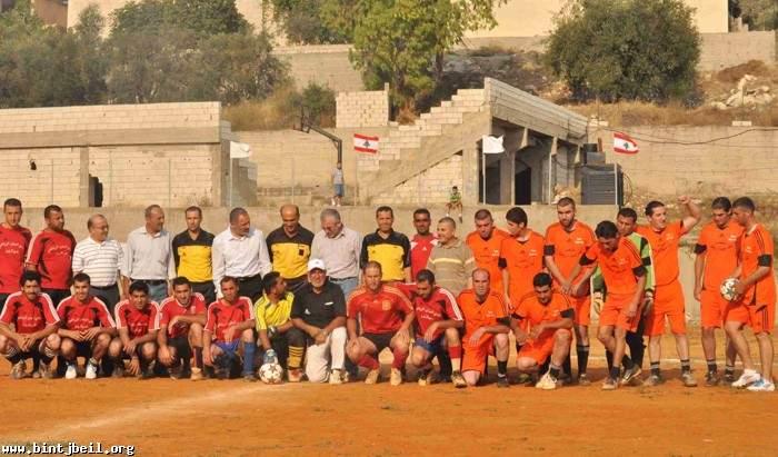 بلدية بنت جبيل افتتحت دوة رياضية لكرة القدم