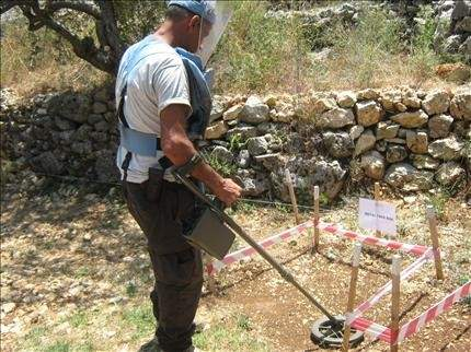 نزع الألغام من خراج قرى البترون يعيد إليها الحياة بعد 24 عاماً من الانتظار