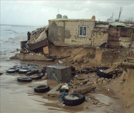 المنازل المنهارة في مخيم جل البحر تنتظر إعادة البناء منذ 6 أشهر