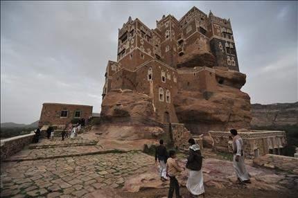 مصدر خليجي: حصلنا على تأكيد اميركي  بنقل السلطة وعدم عودة صالح الى اليمن