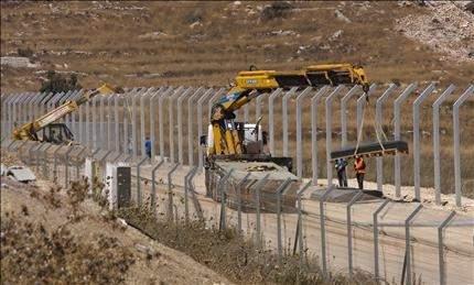 """إسرائيل: الجيش يزرع ألغاماً على """"الحدود"""" مع سوريا"""