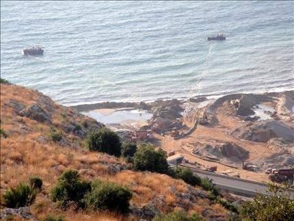 نقابة الغواصين: الدولة تسمح بشفط رمول البحر «خلافـاً لقـرار التفتيـش المـركـزي الصـادر في 2005»