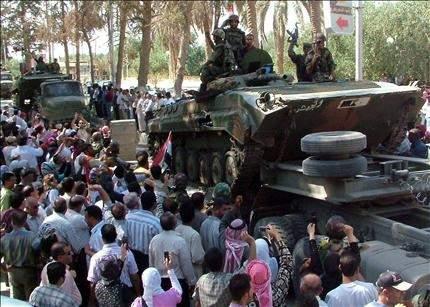 سوريا: انسحابات من المدن ... واجتماع طارئ للحزب