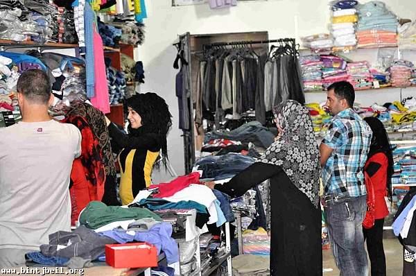 حركة تجارية نشطة في محلات بنت جبيل عشية عيد الفطر