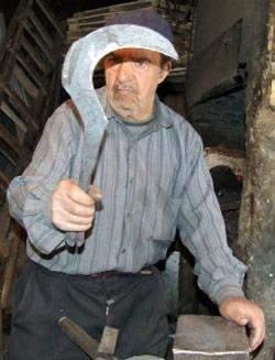 عبد الله رعد: آخر الحدّادين في بعلبك ــ الـهرمل