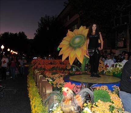 زحلة: 80 ألف وردة تزين مهرجانات الكرمة