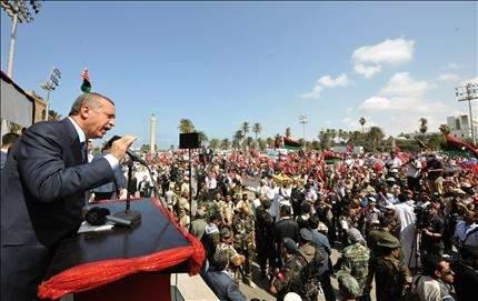 أردوغان يدعو أتباع القذافي للاستسلام كرّ وفرّ في بني وليد وسرت ... وحكومة جديدة غداً