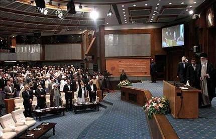 إيران: شرق أوسط إسلامي جديد ولن نعترف بإسرائيل السيد علي  الخامنئي يحذر الثوار العرب: خلف ابتسامة الغرب خيانة