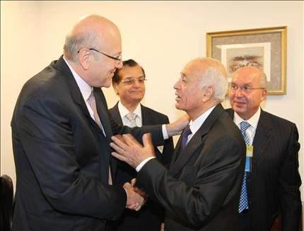 كلينتون: أولويات الحكومة اللبنانية صحيحة.. وسنواصل دعم الجيش