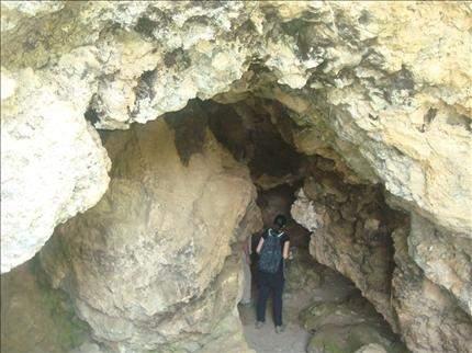 وادي قنوبين: استكشافات جديدة تزيد عدد المغاور إلى خمسين