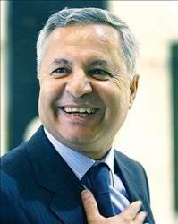 عدنان السيد حسين في مواجهة تحديات وأولويات الجامعة اللبنانية