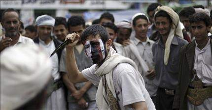 قوات صالح تقصف تعز .. في غياب الحل السياسي