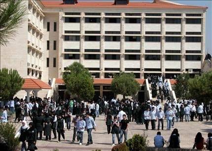النبطية: تلامذة يتكفلهم محسنون.. وذووهم يطالبون الدولة بـ «مجانية التعليم»