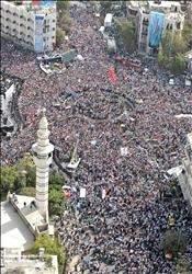 دمشق: حشد ضخم تأييداً للأسد ورفضاً للتدخل الخارجي