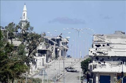 ثوار ليبيا يهاجمون المربع الأخير لأتبــاع القذافــي فــي ســرت
