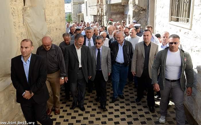 العريضي افتتح وسط بنت جبيل وحيا المقاومة و زار بعض المناطق