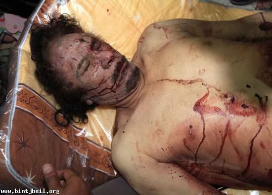 القذافي.. قصة الساعات الأخيرة..و انبوب صرف النفايات والجرذان !