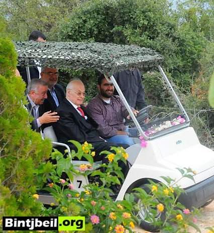 """الرئيس الحص جال في """" الغولف """" على معلم مليتا السياحي ( مصور)"""