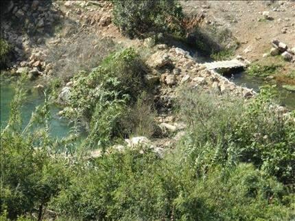 لا ماء ولا طرق في بلدة برغز..  وجسرها مدمر منذ عدوان تموز