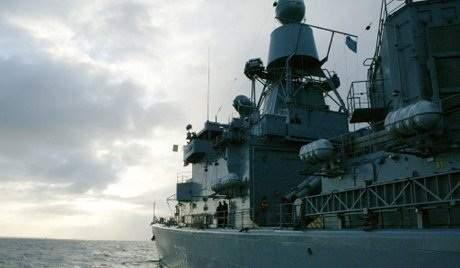 """البارجة الحربية الأميركية """"جورج بوش"""" تتجه نحو السواحل السورية"""