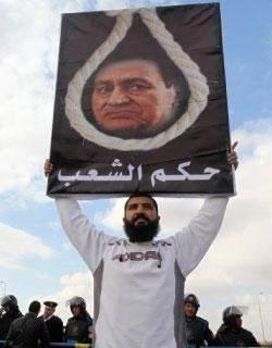 محاكمة مبارك إلى 2 كـ 2: انتقال محامي الادّعاء إلى الدفاع!
