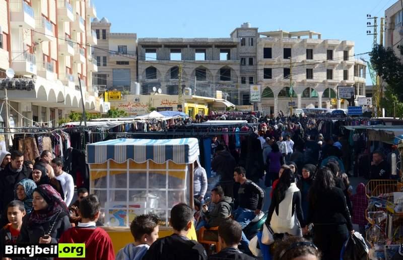 سوق الخميس في بنت جبيل.. جنة للفقراء ومتعة للاغنياء ( تقرير مصور)
