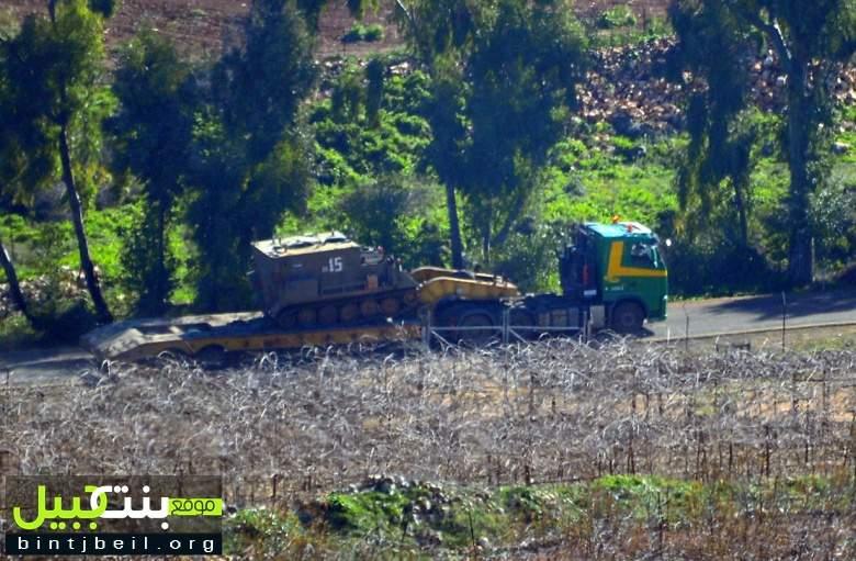 بالصور / موقع بنت جبيل يرصد تحركات و تنقلات عسكرية اسرائيلية خلف الحدود و مستعمرات شبه خالية من السكان