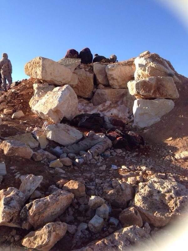 بالصور /  نقل جثث 5 ارهابيين الى مستشفى الهرمل بينهم قادة ميدانيون
