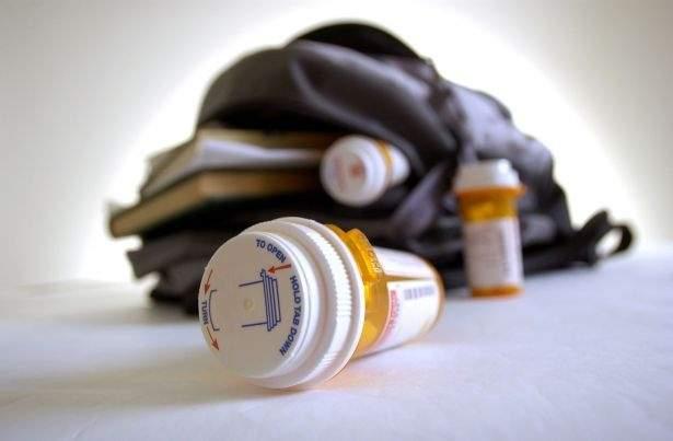 لن تصدقوا كيف تدخل المخدرات الى المدارس اللبنانية