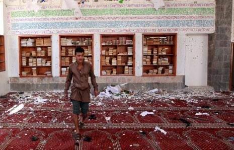 اليمن | «داعش» يسيل الدماء في مساجد صنعاء... و«أنصار الله» يدخلون تعز